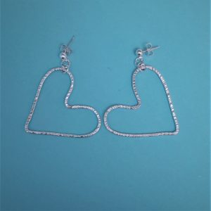 Large hammered wire heart stud earrings